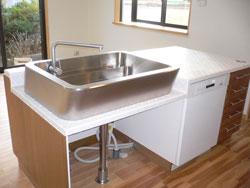 食洗器内臓のアイランドキッチン