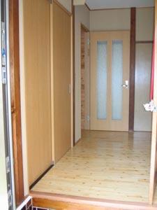 建具や内装等も一新したホール