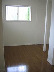 旧玄関。収納スペースへと生まれ変りました