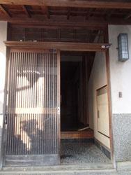 玄関(リフォーム前)