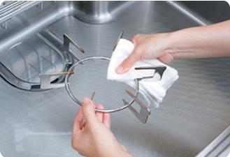水で洗剤を流してカラ拭きし、元に戻します