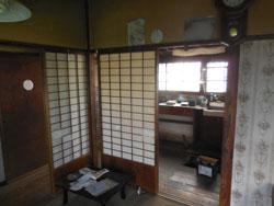 LDK(施工前)以前はキッチン、和室と分かれていました。
